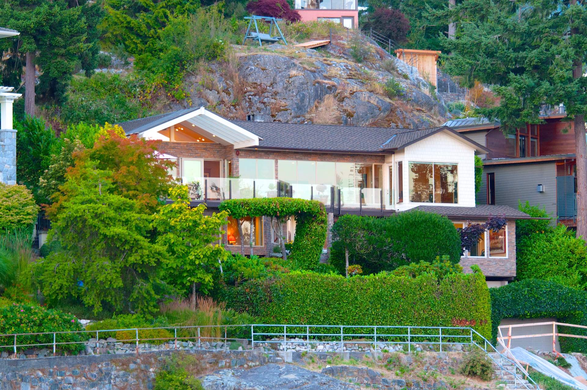 Stunning Semi-Waterfront Residence in Eagle Harbour Live-in or Build New
