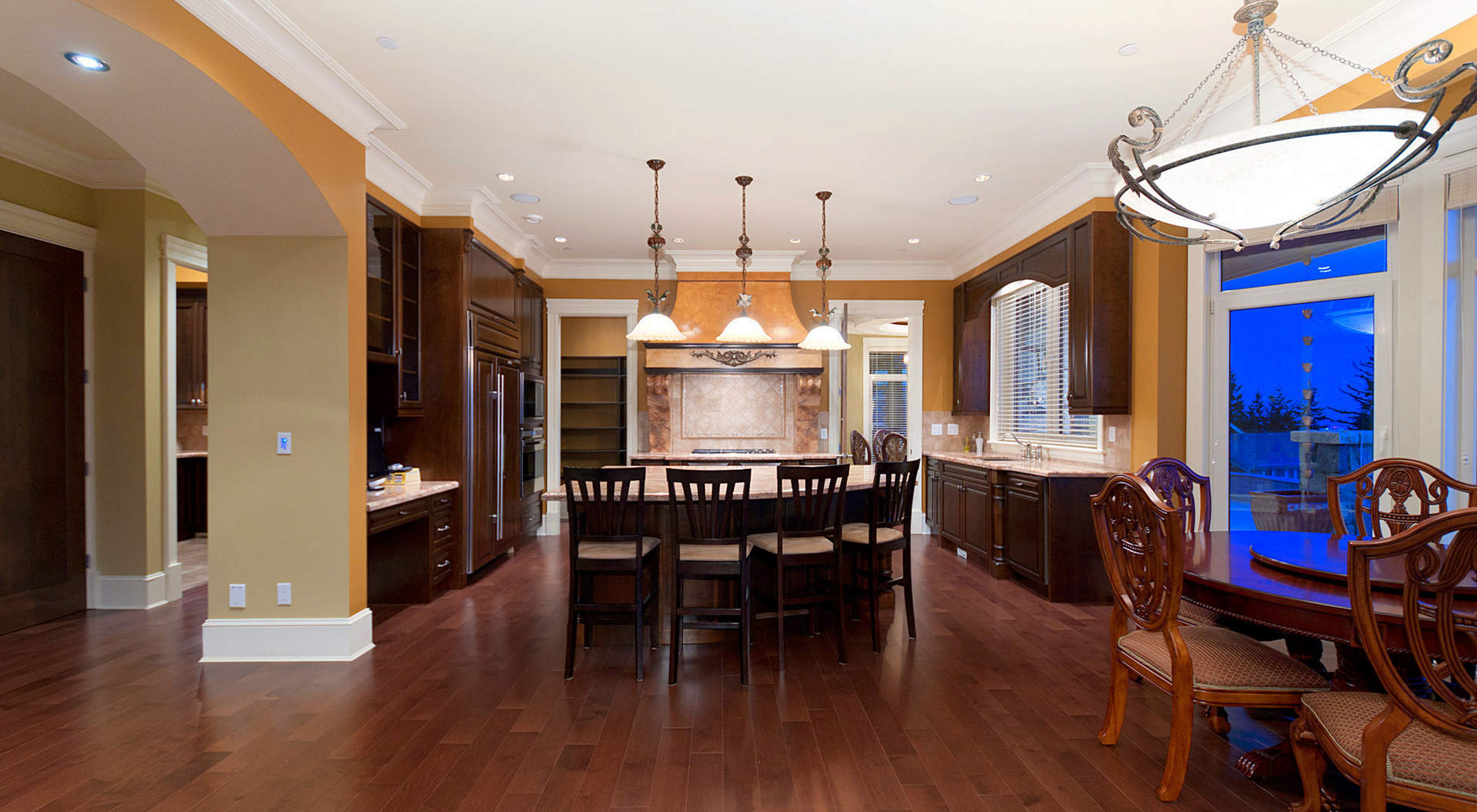 Large Custom Kitchen with Breakfast Bar & Eating Area