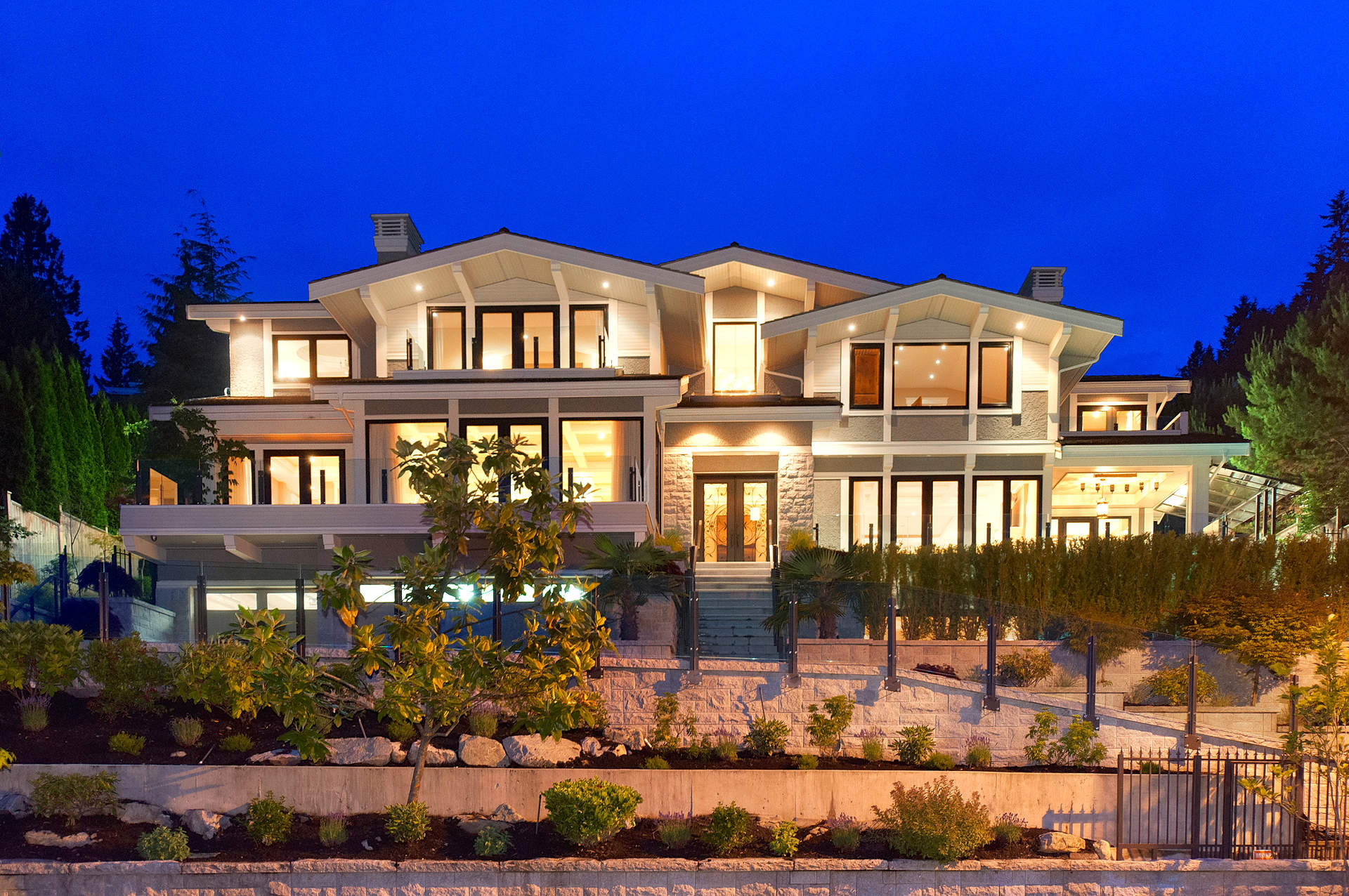 Spectacular Canterbury Estate with Ocean Views!