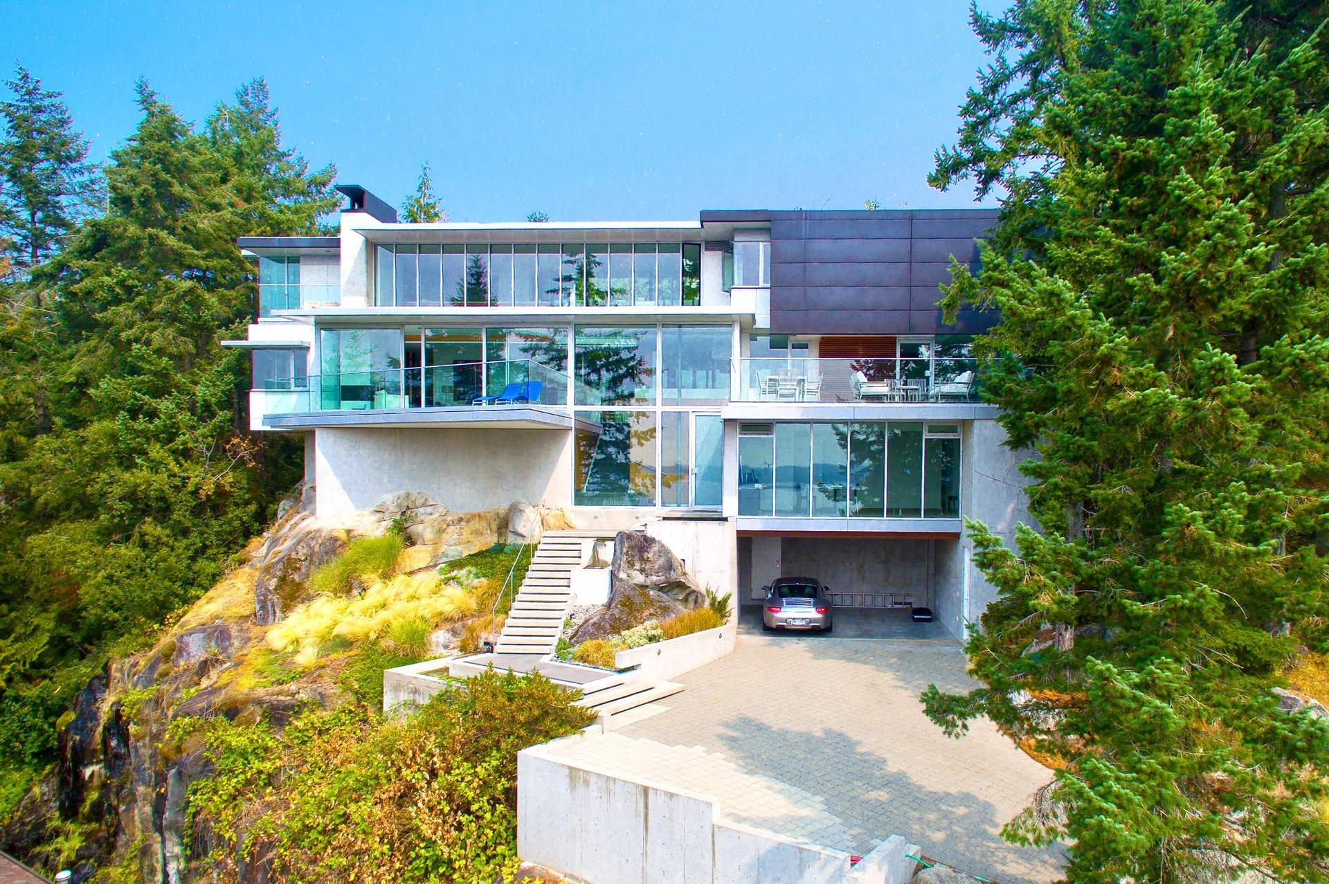 A Spectacular Contemporary in Rockridge with Gorgeous Oceanviews!