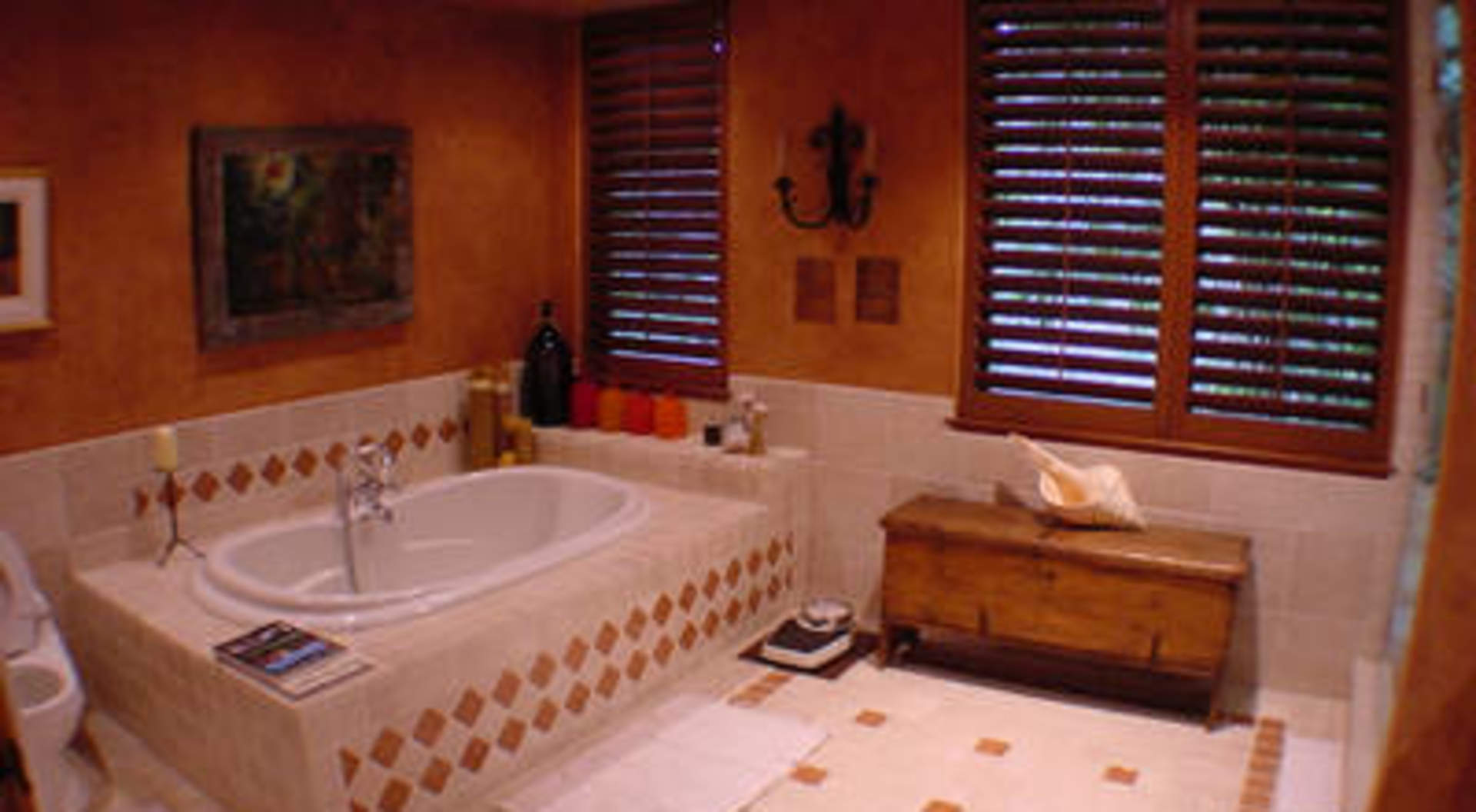 Master Ensuite with Steam Room