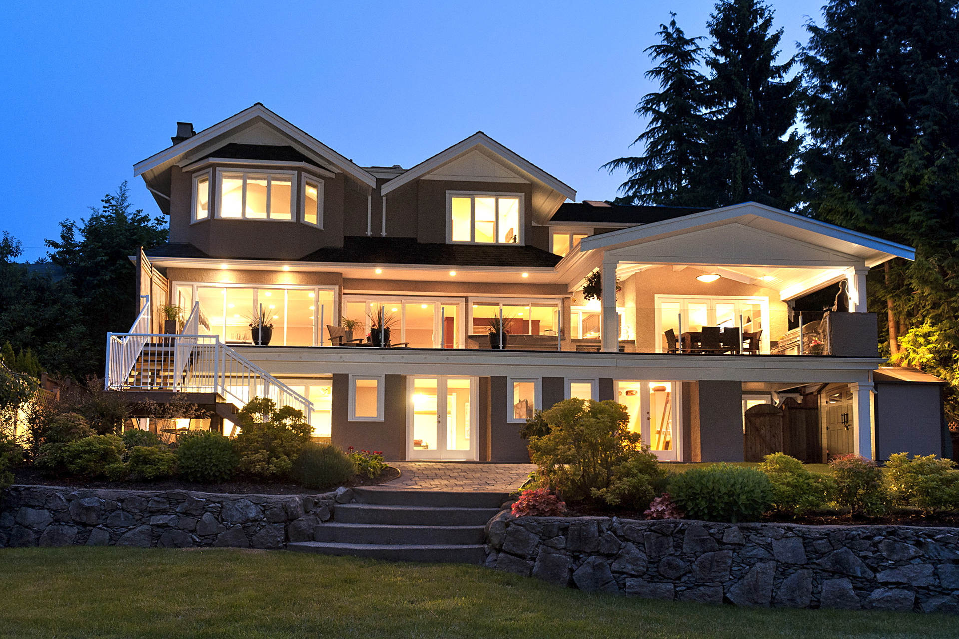 975 leyland street west vancouver homes and real estate for Beautiful luxury houses
