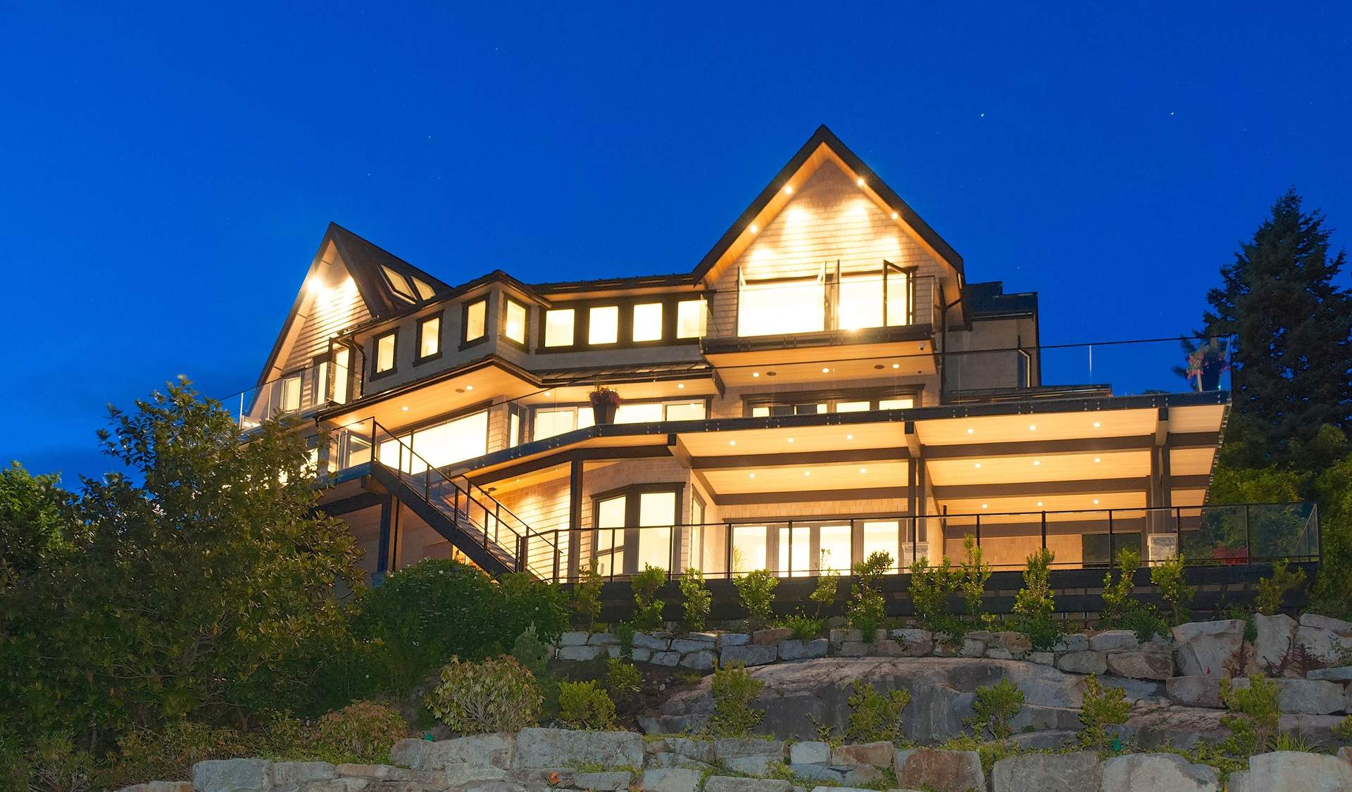 STUNNING NEW CONTEMPORARY WITH SPECTACULAR OCEAN & COASTAL VIEWS!