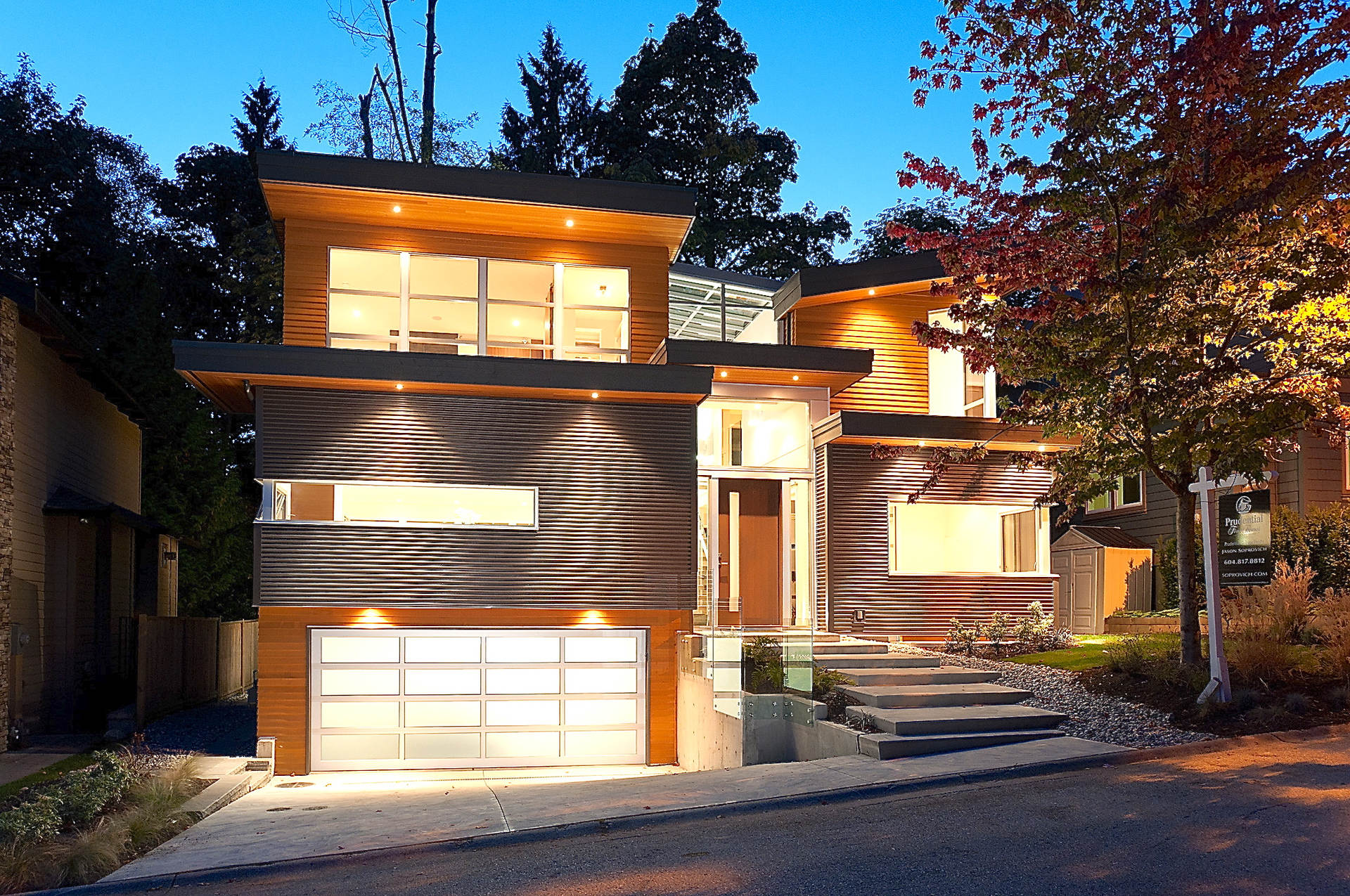 1261 sinclair court west vancouver homes and real estate for Home builders in canada