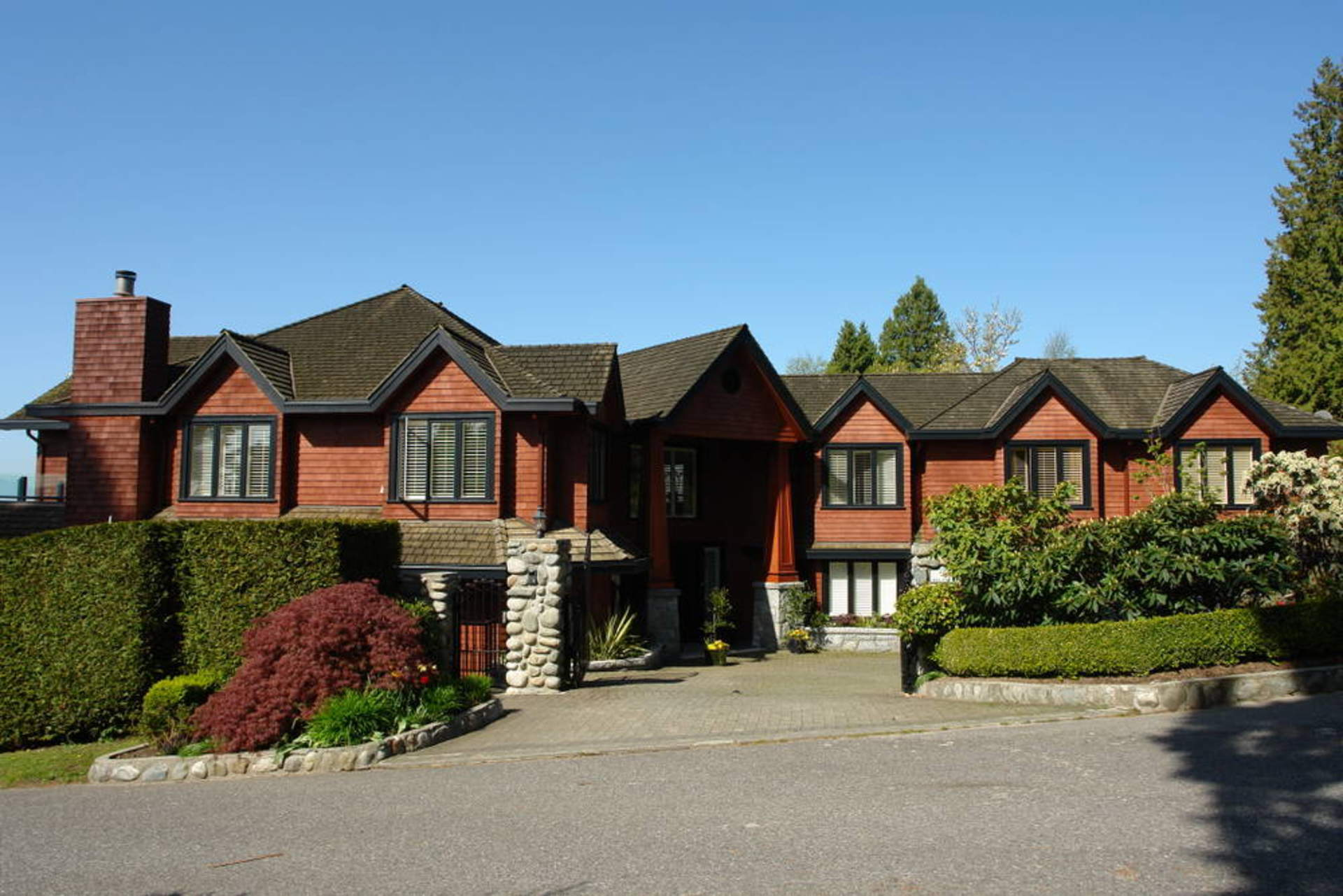 2710 bellevue avenue west vancouver homes and real for Vancouver bc houses