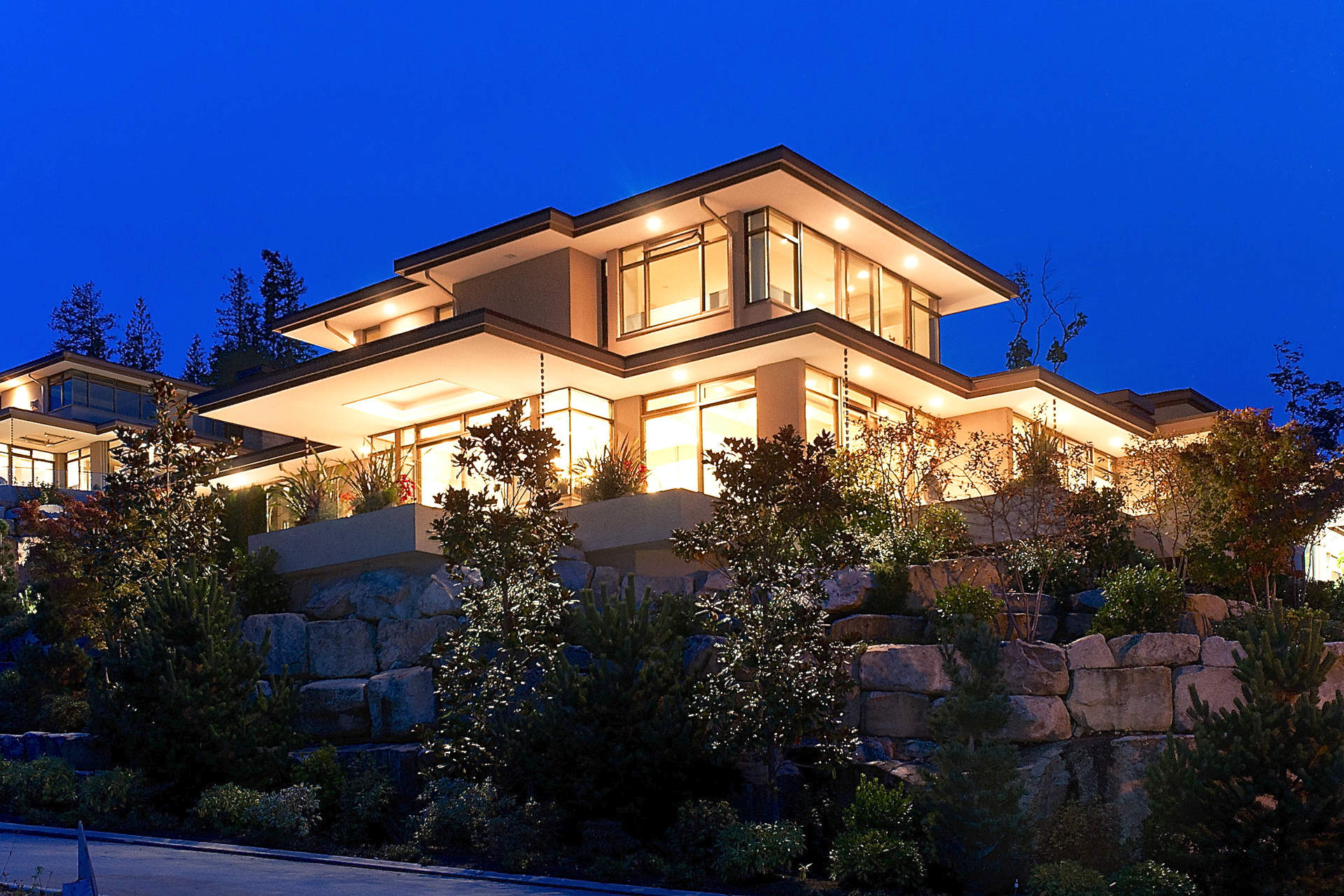 Beautiful Hollingsworth Designed Residence at Headland Park!