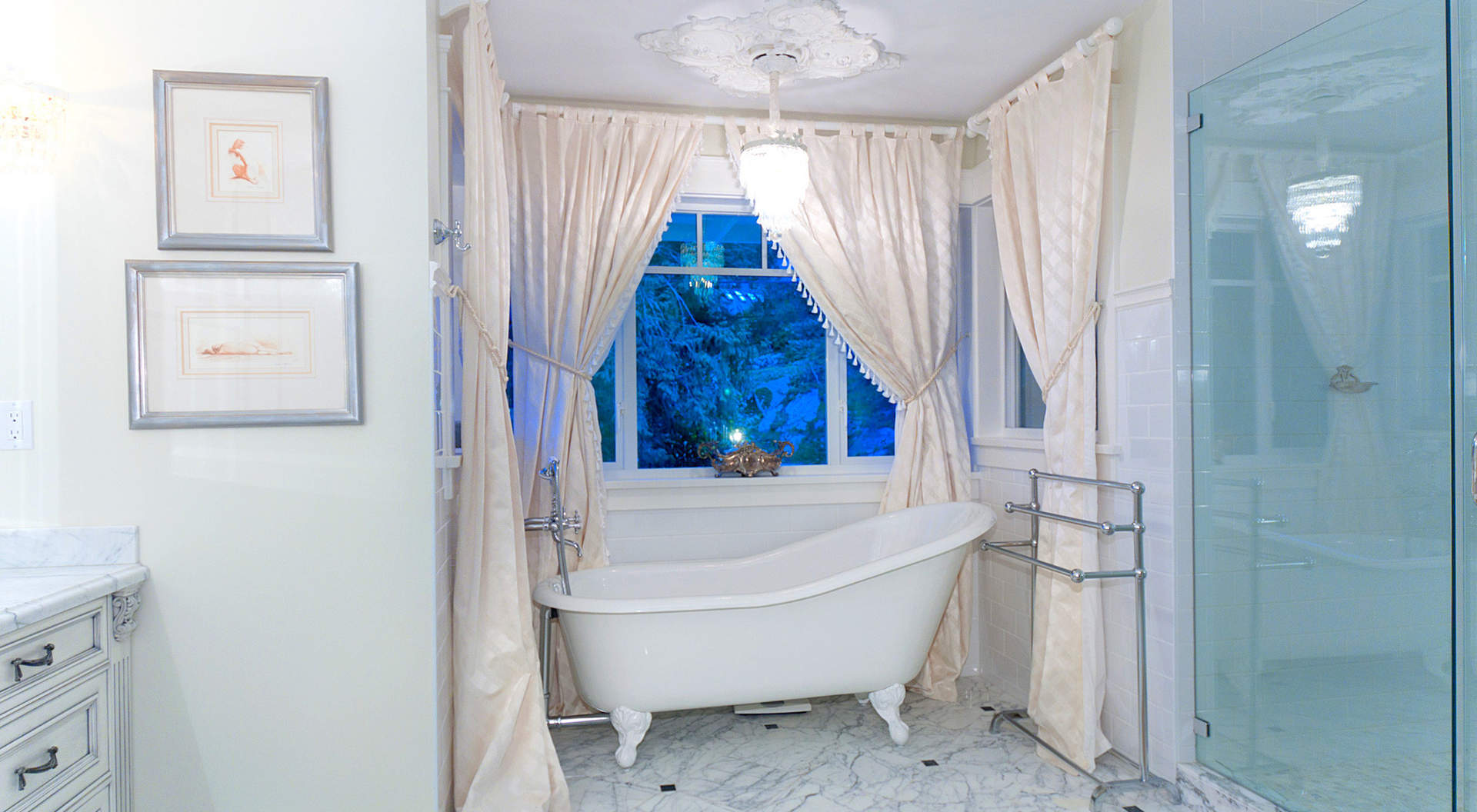 Large Shower and Claw Tub