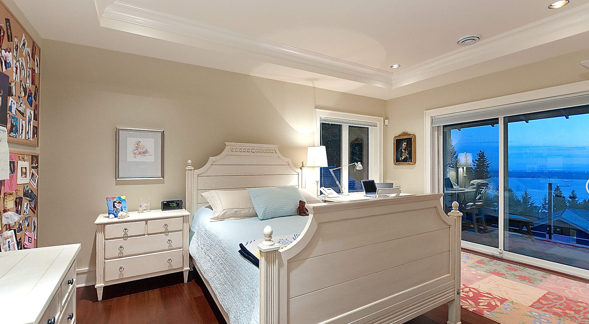 Guest Bedroom with Full Ensuite