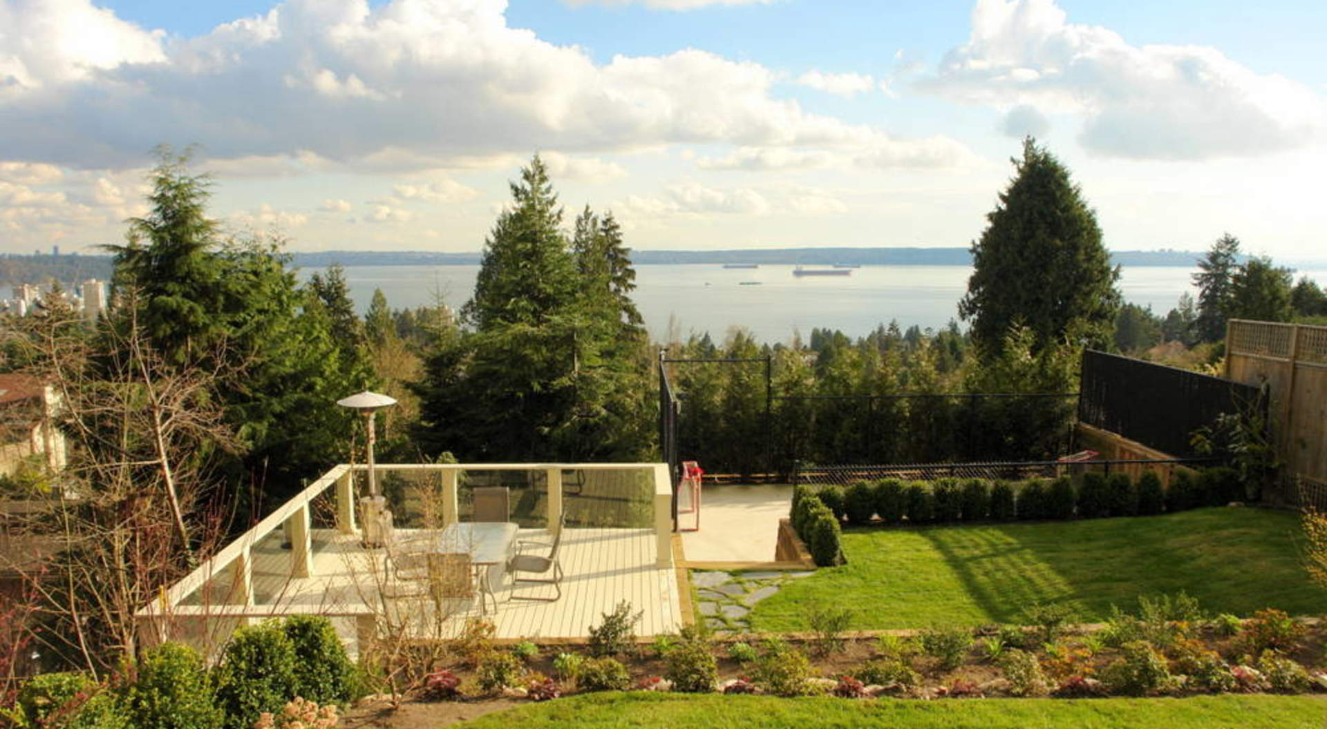 Backyard, Sports Court & Oceanviews All South Facing