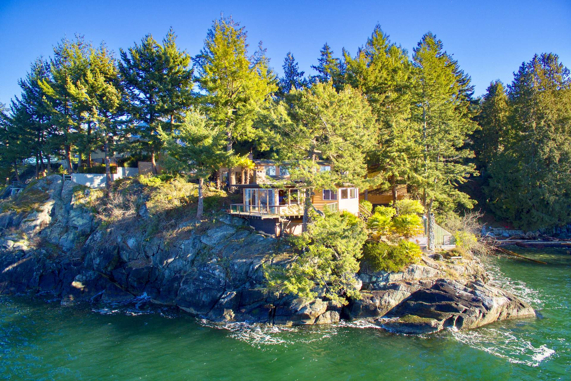 A Spectacular Whytecliff Waterfront - ESTATE SALE!