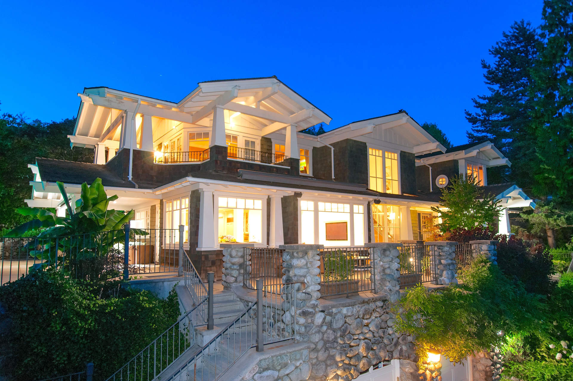 how to become a real estate in bc