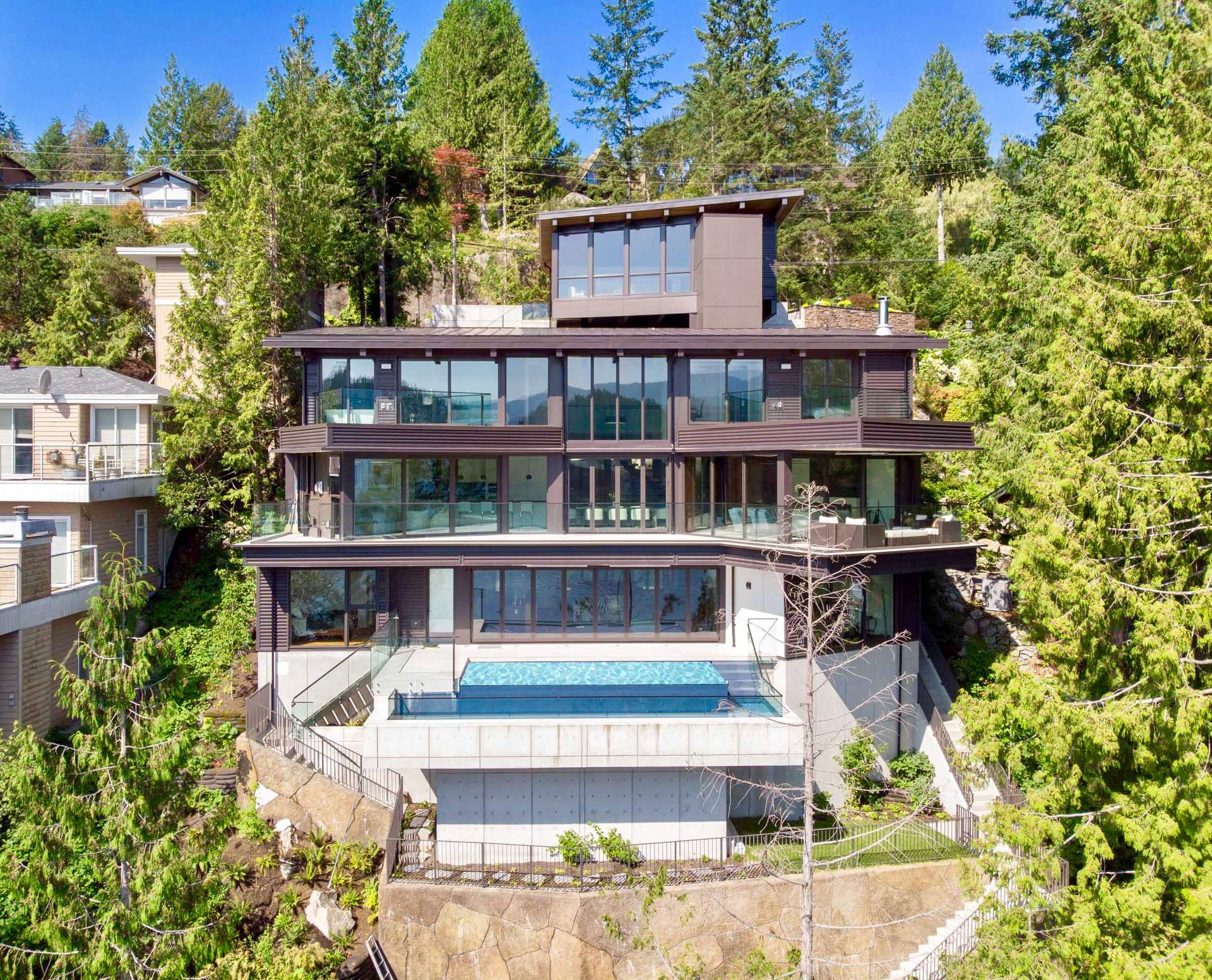 Spectacular New Contemporary Waterfront in Deep Cove designed by Frits de Vries