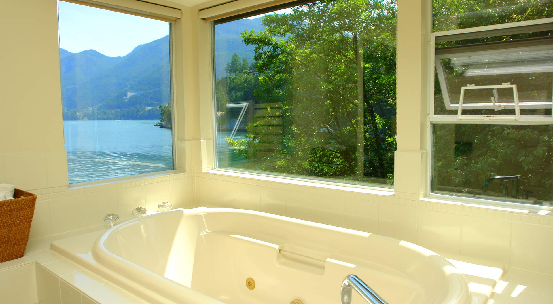 Soaker Tub Overlooking the Ocean