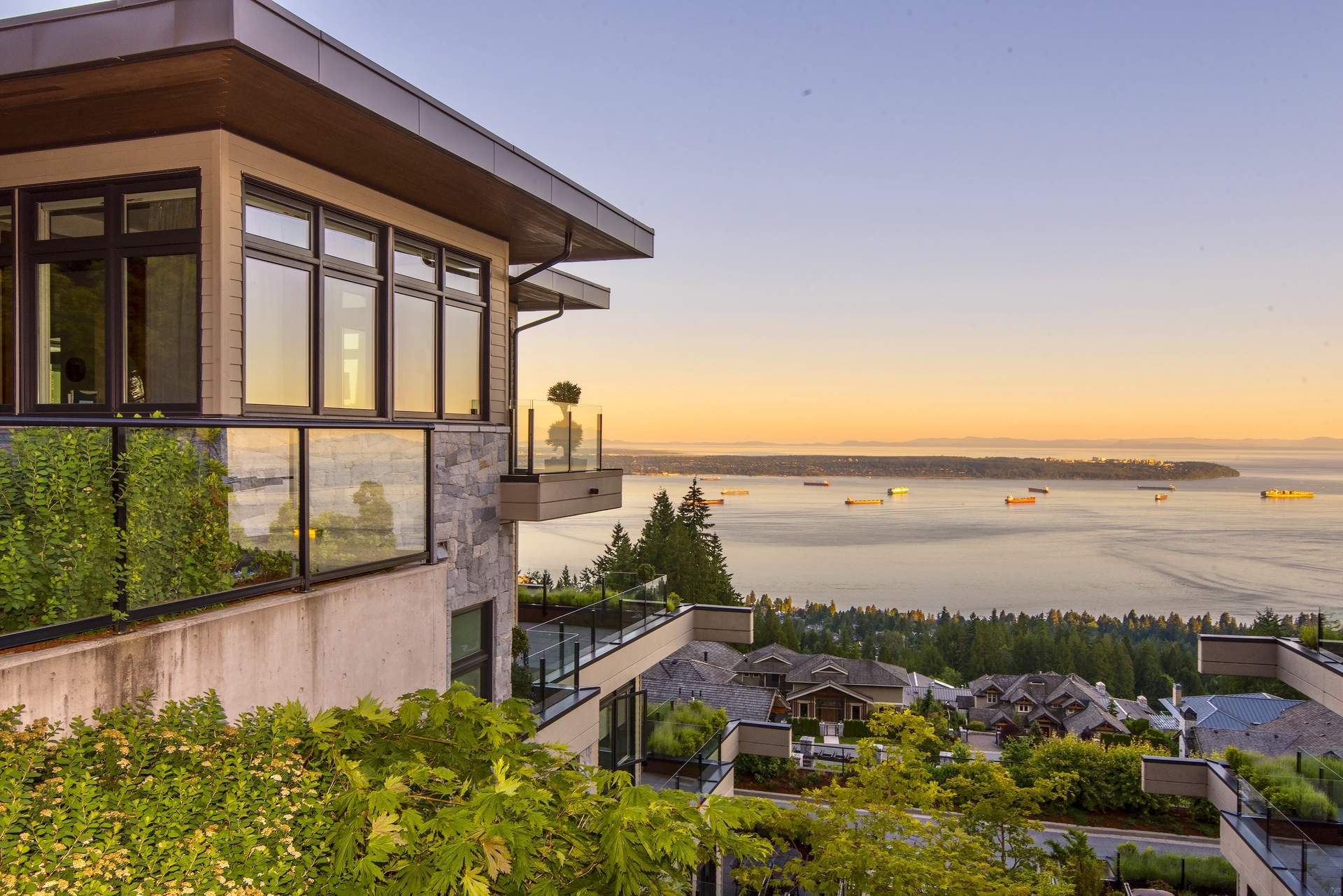 Breathtaking Luxury Townhome – Spectacular Ocean & Island Views
