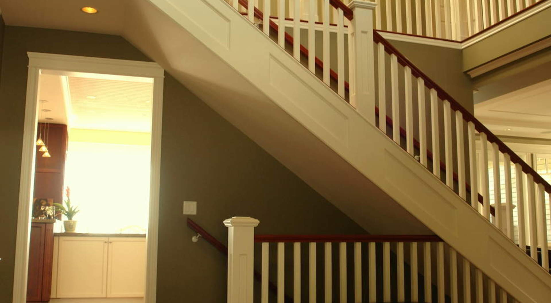 Foyer & Staircase