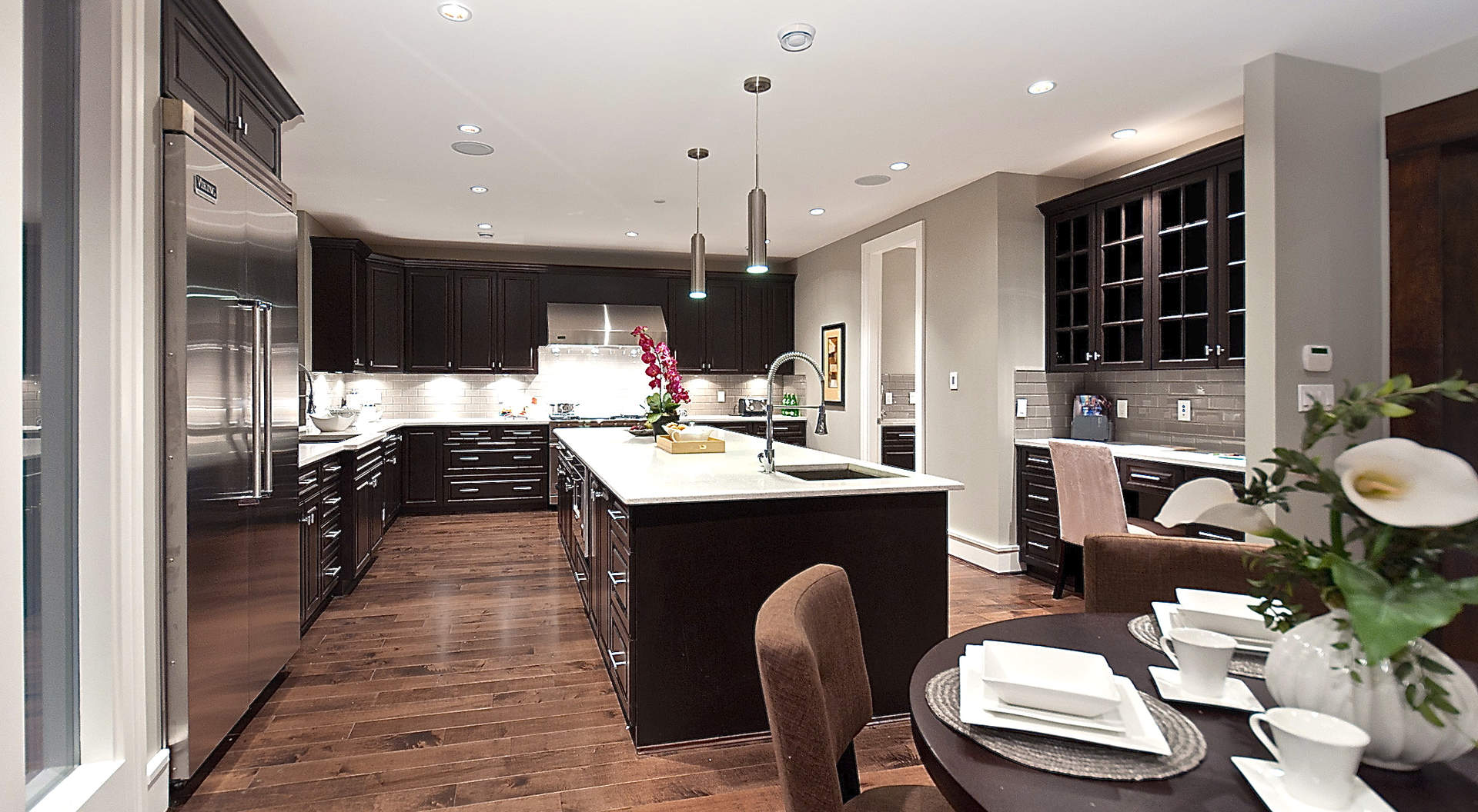 Beautiful Gourmet Kitchen with Center Island