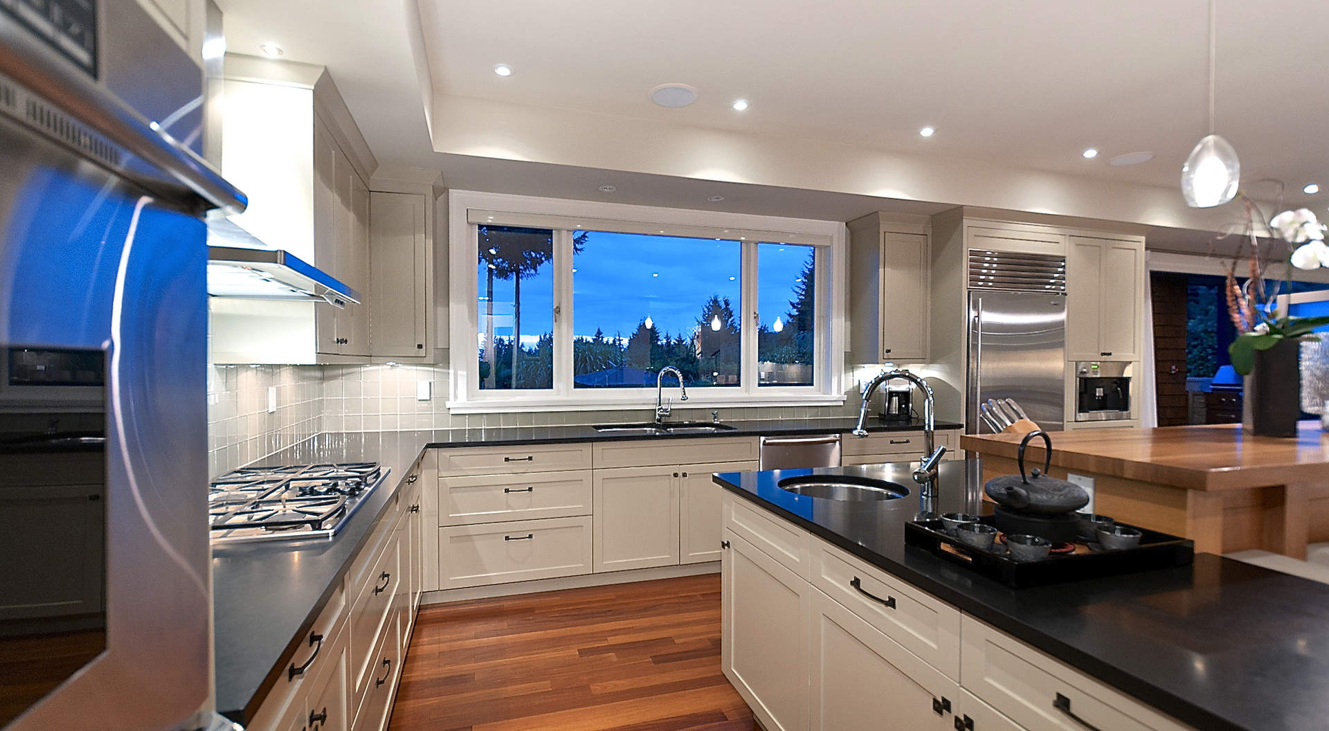 A Custom Kitchen with Top Appliances