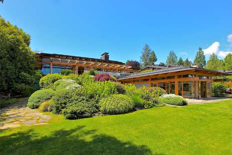 672 Beachview Drive$11,998,000(Deep Cove) North Vancouver, BC A World Class  Waterfront In Altamont! SOLD!