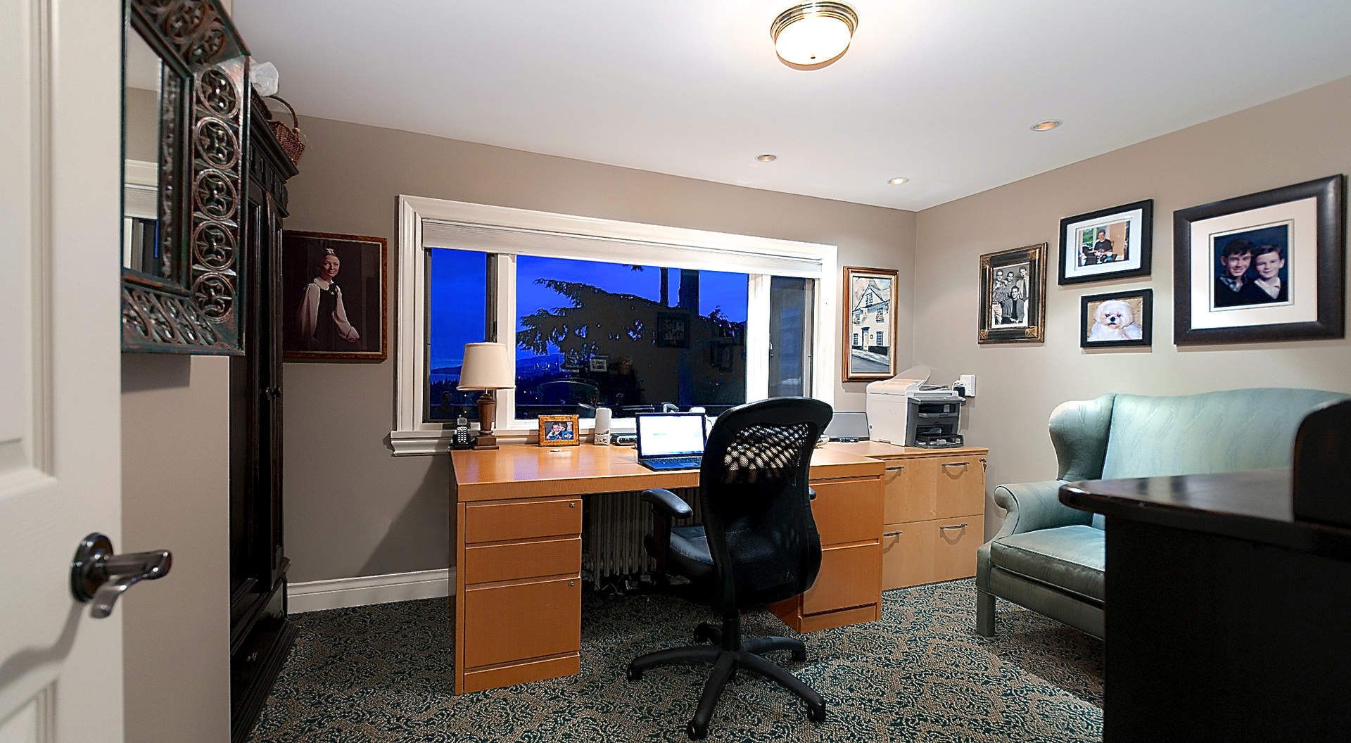 Fabulous Office/ Bedroom