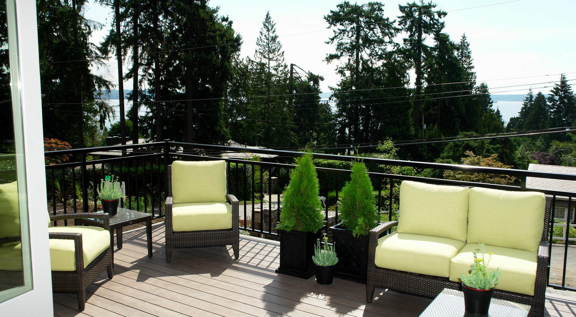 South Facing Sundeck Patio