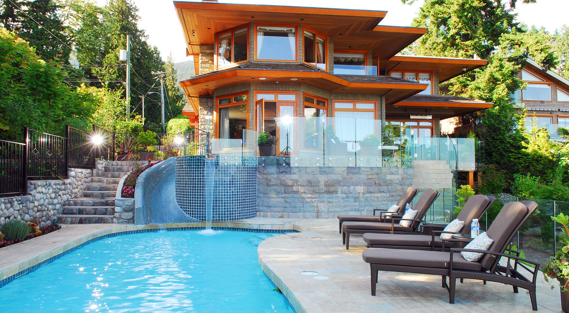 124 31st street west vancouver homes and real estate for Dream home search