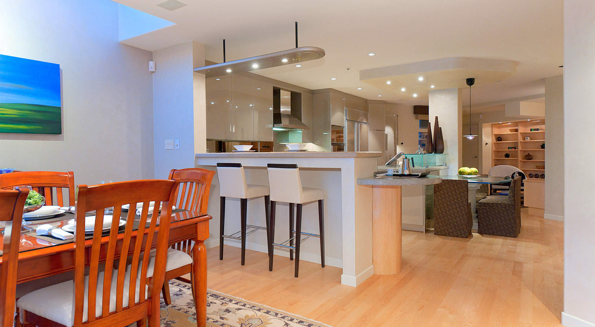 Sensational Kitchen with Breakfast Bar