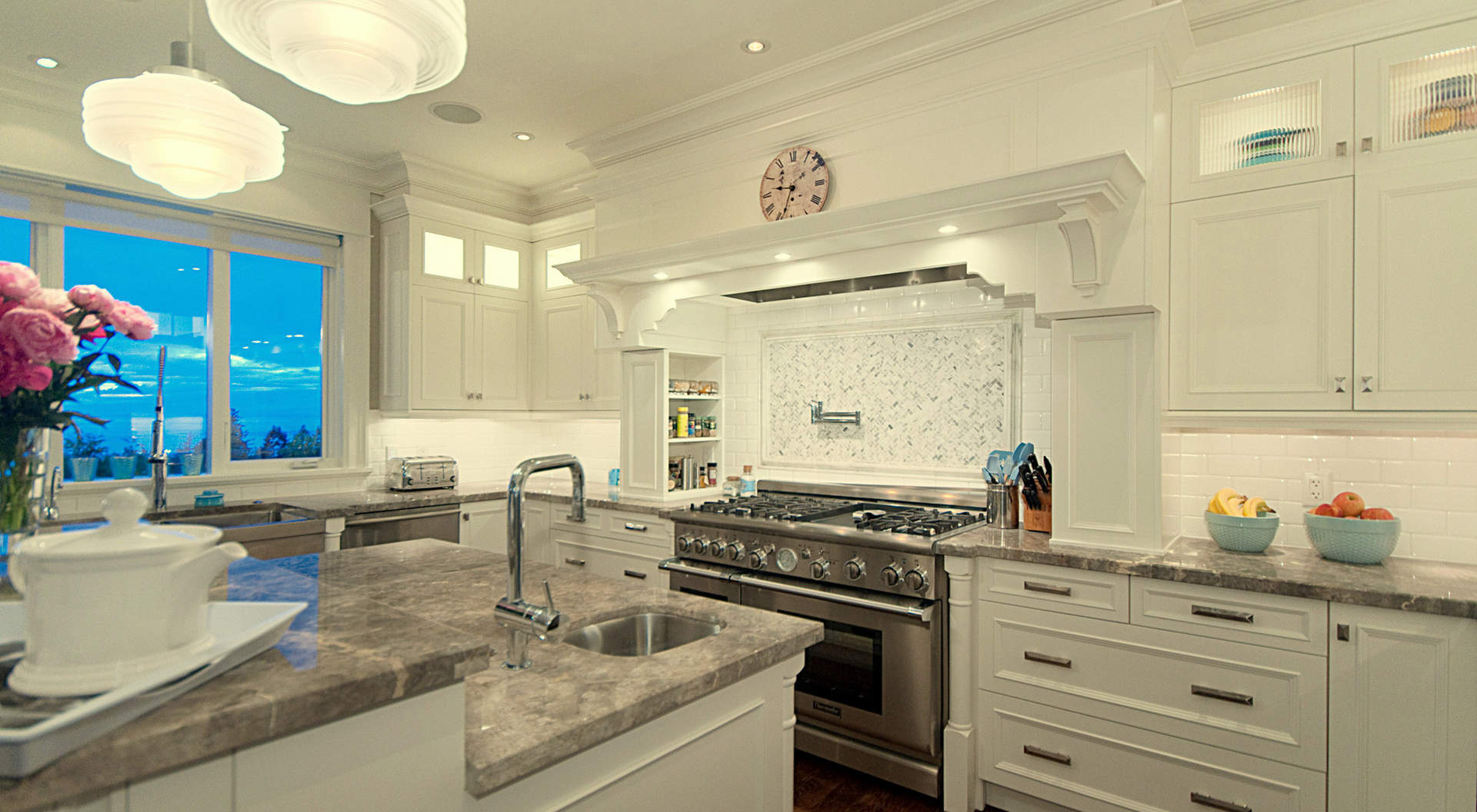 Gorgeous Chef's Kitchen